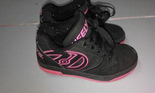 zapatillas de ruedas 32. 10€