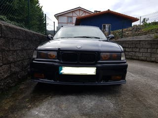 BMW 318 is coupe