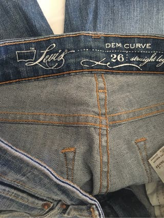 Levi's mujer
