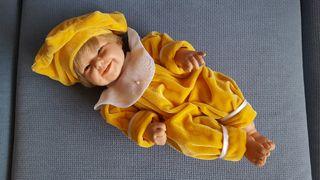 Muñeca bebé similar Reborn o Nenuco
