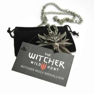 The Witcher 3 pendant medallion wizard wolf