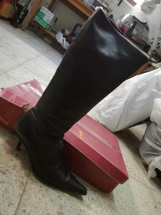 Botas altas de piel de segunda mano en Mollet del Vallès en
