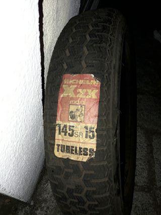 neumático michelin 145 SR15 y 135sR15