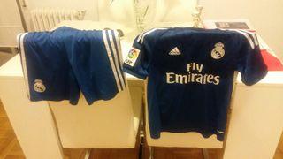 Traje fútbol Real Madrid.