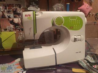 Maquina de coser alpha inizia
