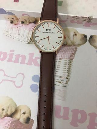 Reloj DW
