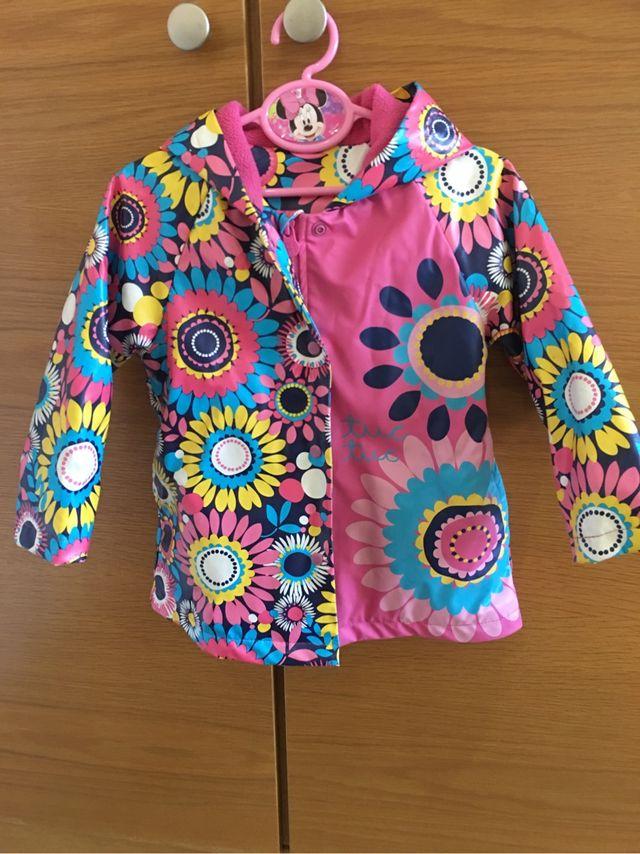 comprar lujo nuevo producto mejor online Chubasquero niña Tuc Tuc de segunda mano por 15 € en ...