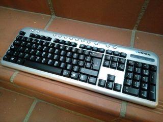 Teclado multimedia color gris / negro USB