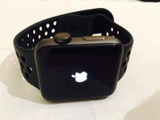 Apple watch series 2 42mm MINT