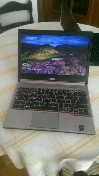 * Fujitsu Profesional 13.3' HD - i5 - 8GB *