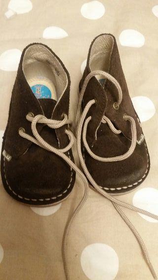Zapatos pisacacas