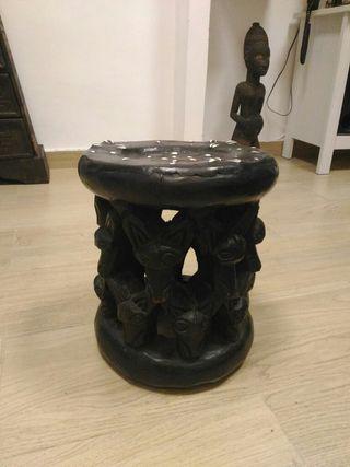 Taburete africano muy antiguo, Nigeria