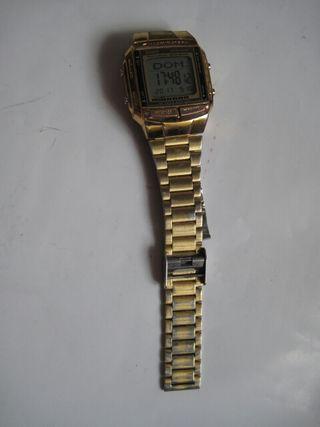 Reloj digital dorado Casio db-360