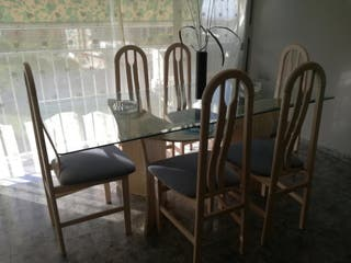 Mesa comedor con sillas de segunda mano en Benidorm en WALLAPOP