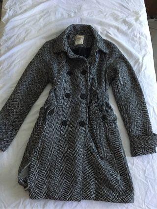 Abrigo largo gris para mujer