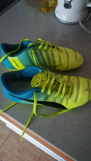 botas de fútbol seminuevas