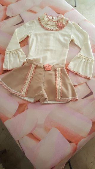 Ropa de vestir de niña