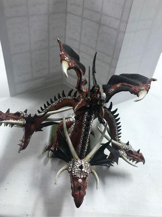 Mercenario montado en Dragon Warhammer