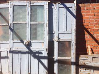 Puertas y ventana antiguas