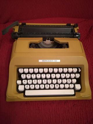 Máquina de escribir Mercedes 62