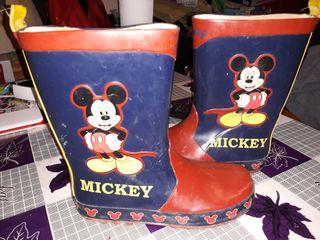 botas de agua de mickey