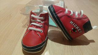 zapatos, botas,zapatillas bebé.Nuevos sin estrenar