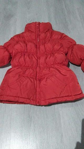 Abrigo rojo niña 2 años