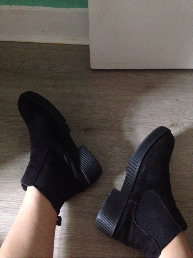 Black chelsea style boots booties
