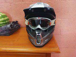 se vende casco de motocross marca fox