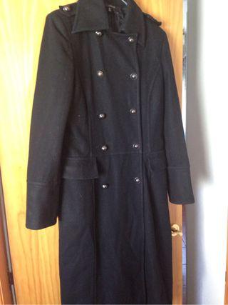 Abrigo negro talla 46 precio 20 €
