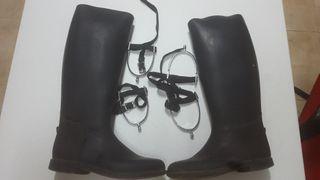 botas de montar a caballoy espuelas