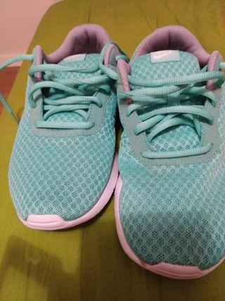 Nike como nuevos numero 38 azul claro