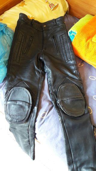 Pantalon moto cuero chica