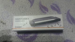 vendo una armonica sin apenas uso