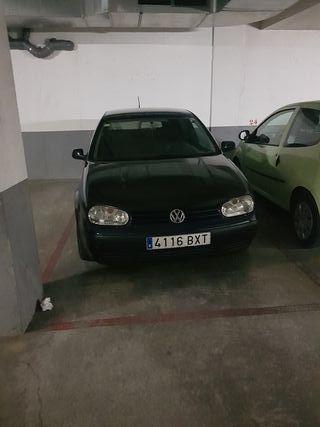 Volkswagen Golf 4 1800€