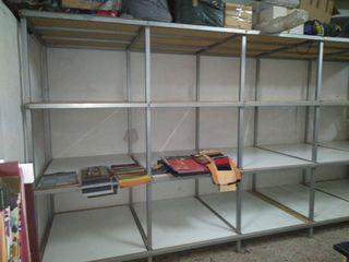 estanteria para metrajes