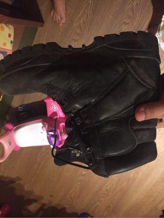 Vendo botas de airsoft negras