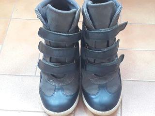 zapatillas con cuña interior