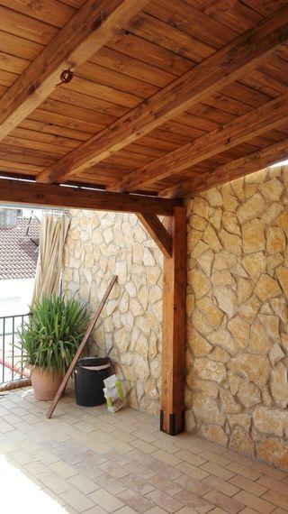 Porche de madera tratado en autoclave
