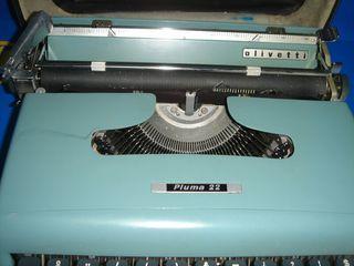 Máquina de escribir olivetti pluma 22 buen estado