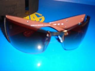 Gafas de sol CAROLINA HERRERA NY buen estado