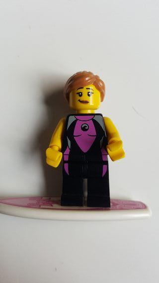 Minifigura Lego surfista