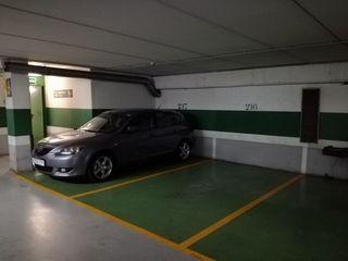 Plaza Parking Lloreda