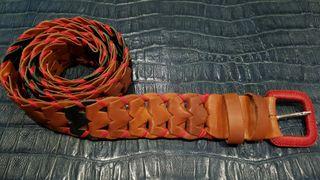 Cinturón de piel artesano trenzado marrón 115 cms