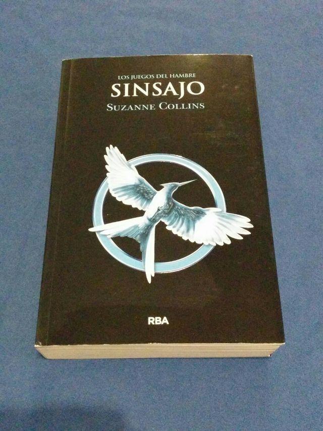 Libro Sinsajo de Suzanne Collins