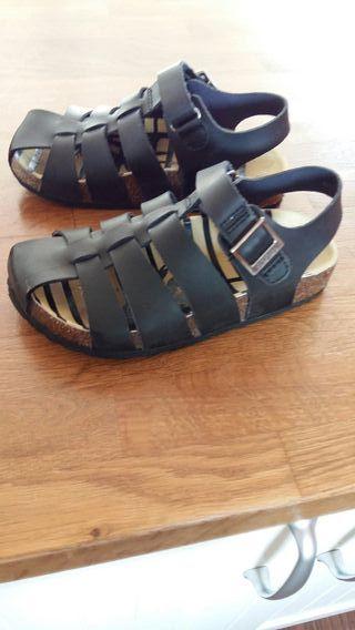 zapatos kickers niño num 29 .en perfecto estado