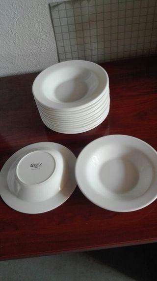 15 platos hondos Arcoroc