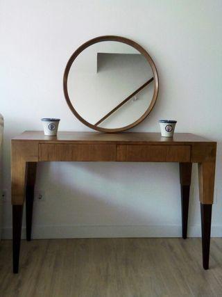 Mesa Vintage y espejo