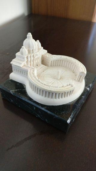 Pisapapeles El Vaticano