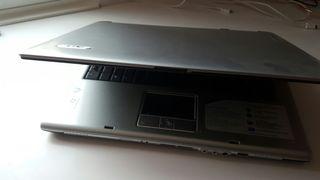 Ordenador Acer portátil funcionando o para piezas